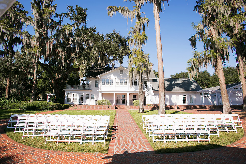Cypress Grove Estate House, Orlando Wedding Venues, Central Florida Wedding Venues, Lakeside Wedding, Outdoor Wedding, Southern Wedding, Rustic Wedding, White Ceremony Chairs, Spanish Moss, Cypress Trees