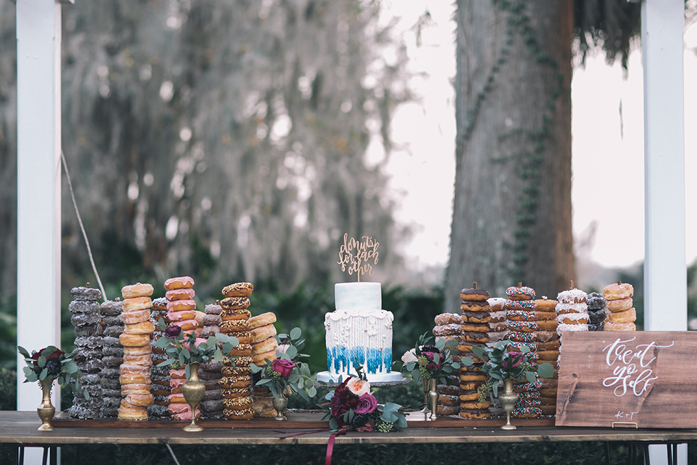 RW Events. Orlando Vintage Rentals, Vintage Rentals, Orlando Wedding Stylist, Orlando Wedding Designer, Orlando Wedding Venues, Central Florida Wedding Venues, Donut Display, Wedding Cake Display, Custom Cake Table, Harpo Table, Cypress Grove Estate House