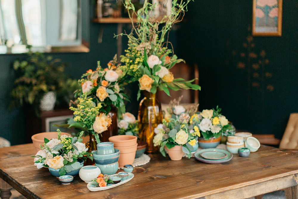 RW Events, Event Designer, Vintage Rentals. Orlando Vintage Rentals, Wedding Floral, White and Orange Wedding, Rustic Wedding, Orlando Wedding Designer, Orlando Wedding Stylist, Organic Wedding Decor, Farm Table