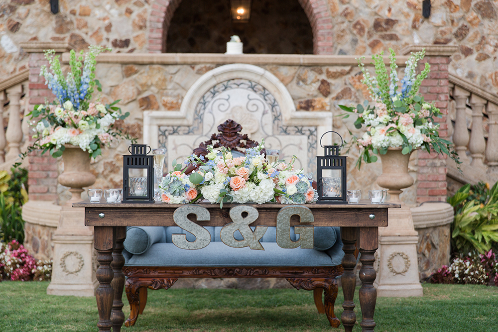 RW Events, Vintage Rentals, Orlando Vintage Rentals, Draping, Romantic Wedding, Orlando Wedding Stylist, Orlando Wedding Designer, Bella Collina, Central Florida Wedding Venues, Farm Table, sweetheart table, willow farm table, demi tufted sofa