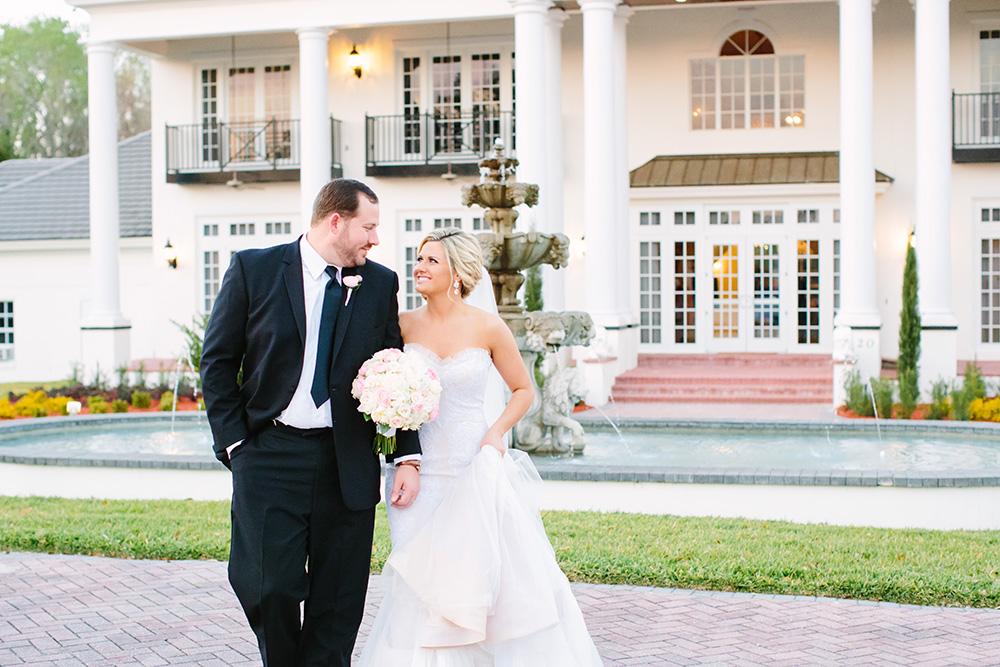 Luxury wedding venue, estate wedding, central florida wedding venue, orlando wedding venue, ballroom wedding, indoor venue, outdoor venue, fountain, newly wed