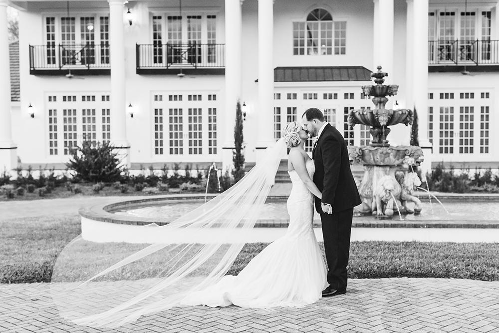 Luxury wedding venue, estate wedding, central florida wedding venue, orlando wedding venue, ballroom wedding, indoor venue, outdoor venue, fountain