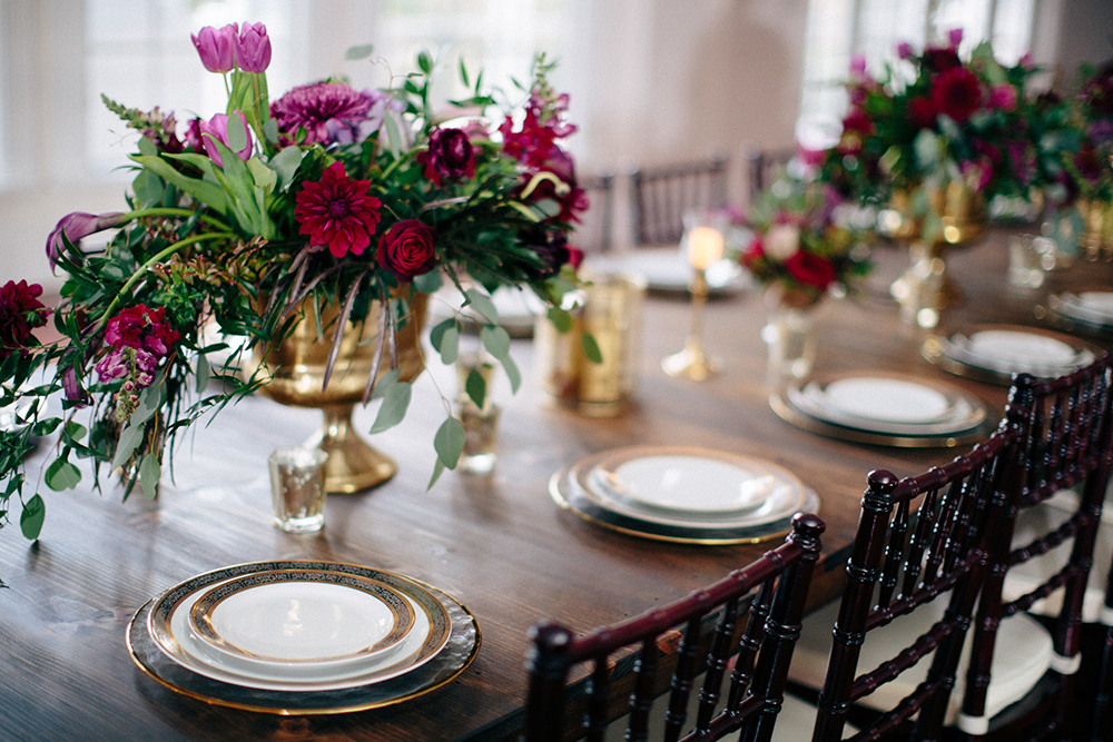 Luxmore Grande Estate, Central Florida Wedding Venue, Orlando Wedding Venue, Luxury Orlando Wedding, Ballroom Wedding, Glass Chargers, gold rim china, feasting table, specialty rentals, rw events, florida vintage rentals, orlando vintage rentals