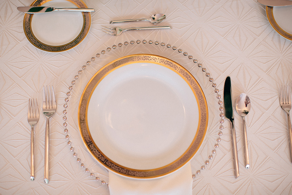 event rentals, gold rim china, rw events, silver beaded charger, silver belmont charger, glass charger, fine china, luxmore grande estate, bentley ivory linen, over the top linen, custom linen