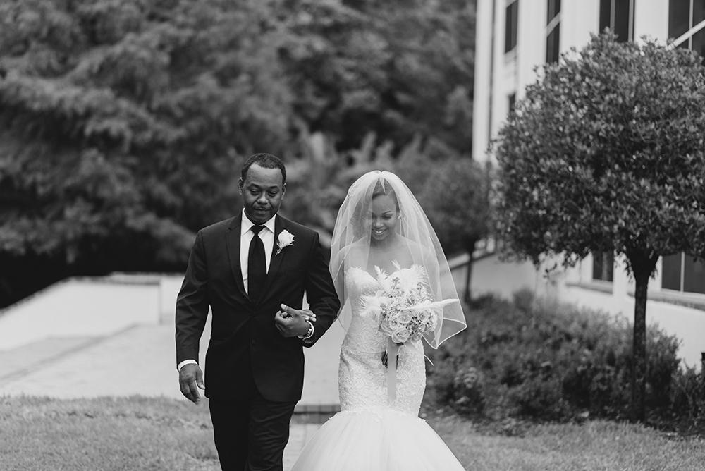 Luxmore Grande Estate, Central Florida Wedding Venue, Orlando Wedding Venue, Luxury Orlando Wedding, Ballroom Wedding, Wedding Floral, Bride and Groom Photos, Luxury outdoor venue