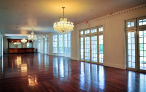 ballroom ceremony, ballroom reception, luxury wedding venue, orlando wedding venue, chandeliers, hardwood floors, ballroom wedding, central florida wedding venues, vintage bar