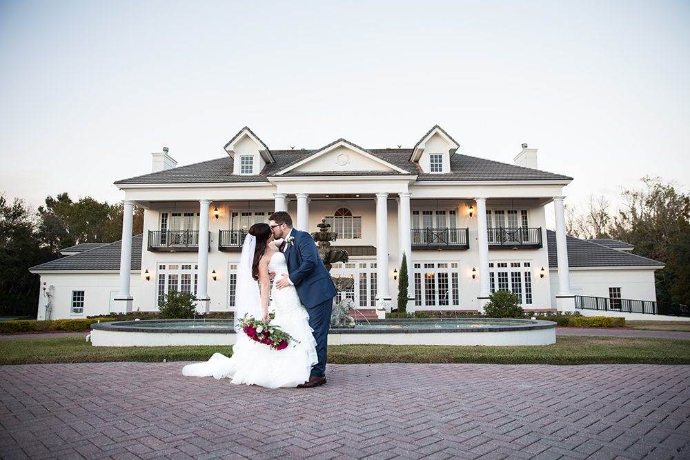 Luxury wedding venue, estate wedding, central florida wedding venue, orlando wedding venue, ballroom wedding, indoor venue, outdoor venue, fountain, newly wed