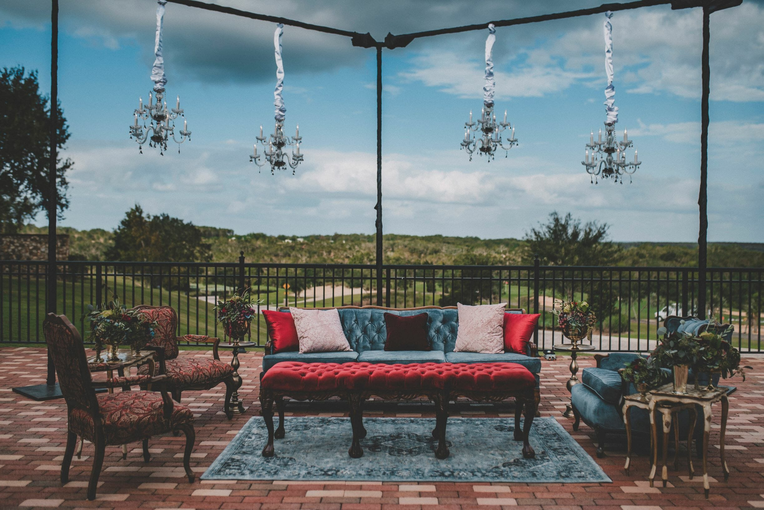 lounge_bella_collina_weddings